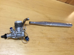 OS 160 FX 26 ccm glowmotor med Hatori quiet tuned pipe og bend